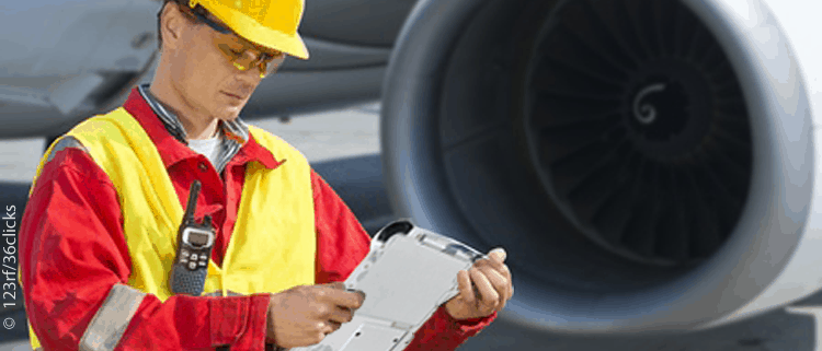 Aircraft maintenance engineer with mobile maintenance device